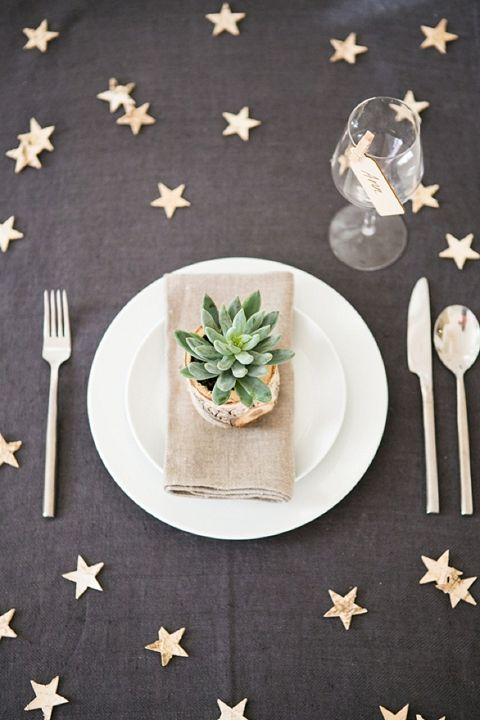gold stars + grey tablecloth