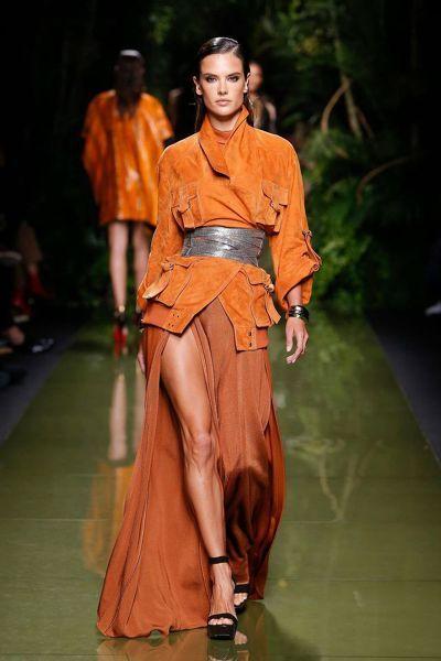 90 looks repérés à la Fashion Week de Paris pour la saison Printemps-été 2017 Image: 5
