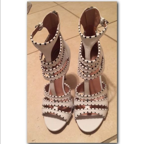 Sigerson Morrison white leather Sandals Price is negotiable! Brand New Sigerson Morrison white leather sandals SOLD OUT EVERYWHERE!!! Sigerson Morrison Shoes Heels