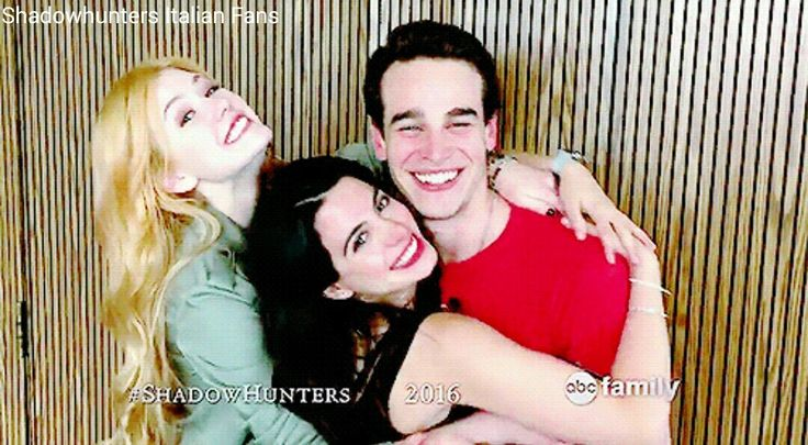 Clary, Izzy e Simon