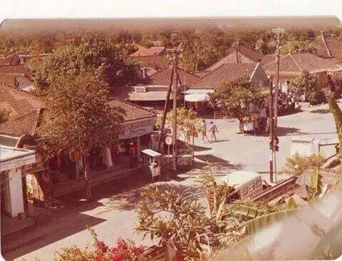 1977 Bemo corner Kuta Bali