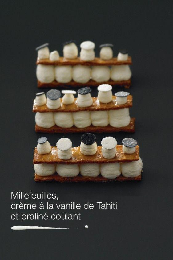 Mille-feuilles crème à la vanille de Tahiti et praliné coulant.