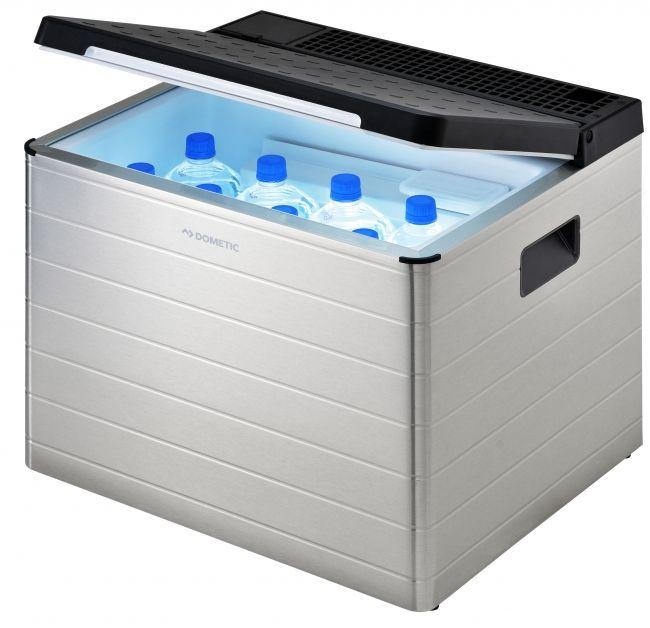 ドメティックは、カセットガス1本で約20時間稼働する小型の冷蔵庫「ポータブル 3way冷蔵庫 COMBICOOL ACX35G」を6月1日より発売する。参考売価は59,800円(税抜)。