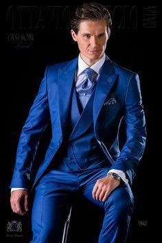 Italienisch royal blaue Gehrock Herren Anzug mit steigendes Revers und 1 Knopf aus Wollmischung. Hochzeitsanzug 1942 Kollektion Fashion Formal Ottavio Nuccio Gala.