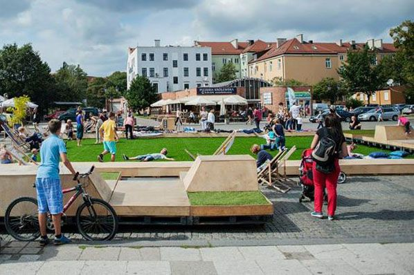 TARG WĘGLOWY 2014 / temporal public space installation / fot. B. Kociumbas