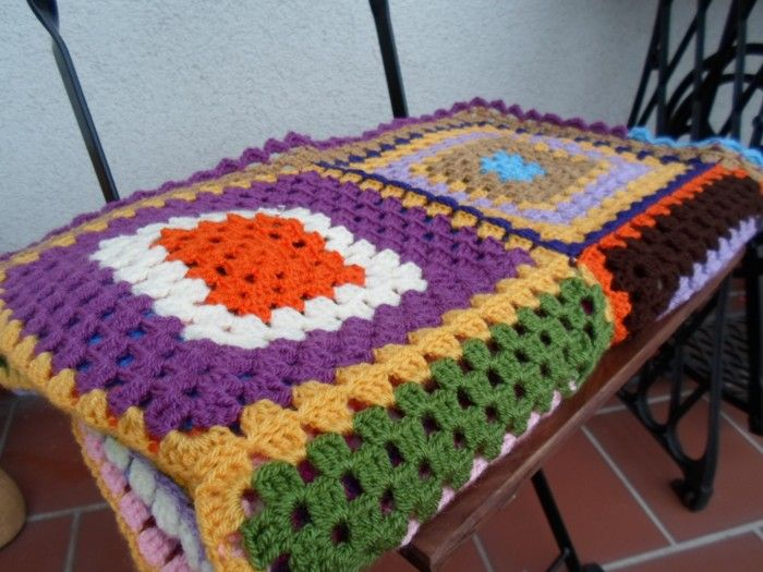 Granny square quilt www.vjahodovce.blogspot.com