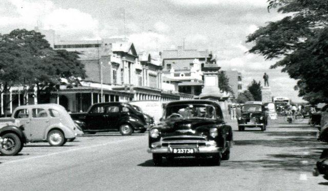Old cars from the 1950s, Bulawayo, Rhodesia (Zimbabwe), via Flickr.