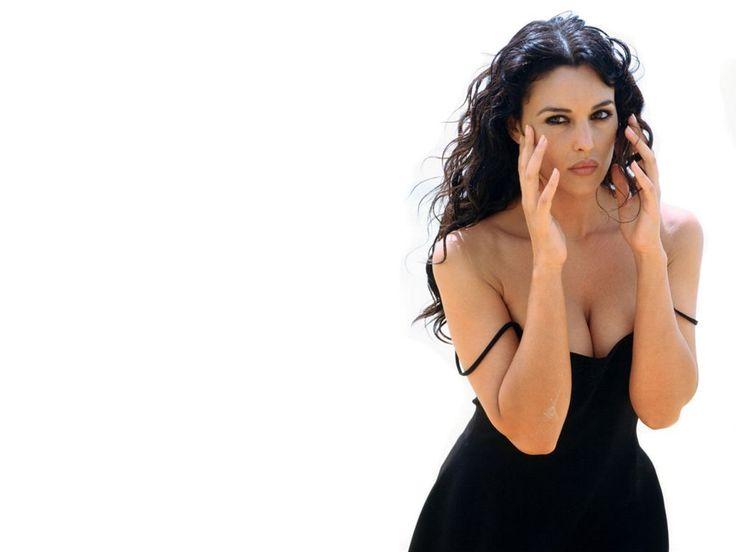 MB5: Monica Bellucci, Bellucci Malena, Monica Belluci, Monica Bellucci, Beautiful Women, Desnudes Sensual, Bellucci Picture, Women Art, Beautiful People