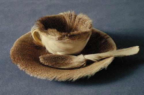 "Meret Oppenheim (1913-1985) ""Object (Le Déjeuner en fourrure)"", 1936 © Courtesy of Museum of Modern Art"