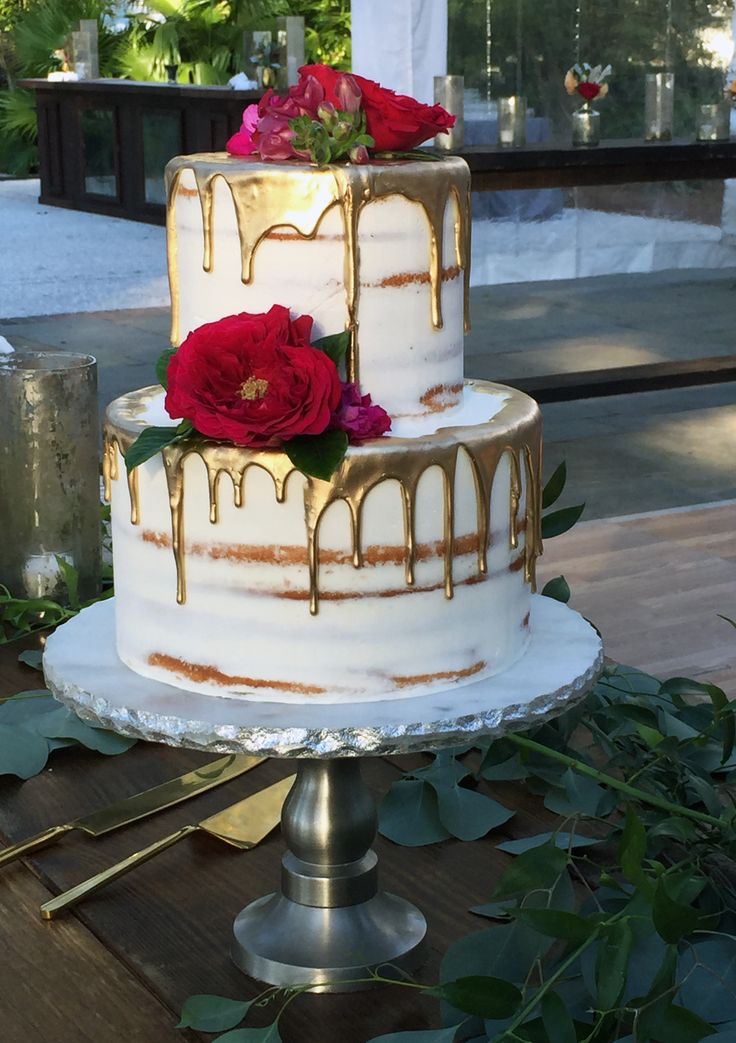 Gold drip wedding cake made by PPHG pastry chef Jessica Grossman at Guerra & Duong's historic wedding at Lowndes Grove Plantation | Charleston, SC