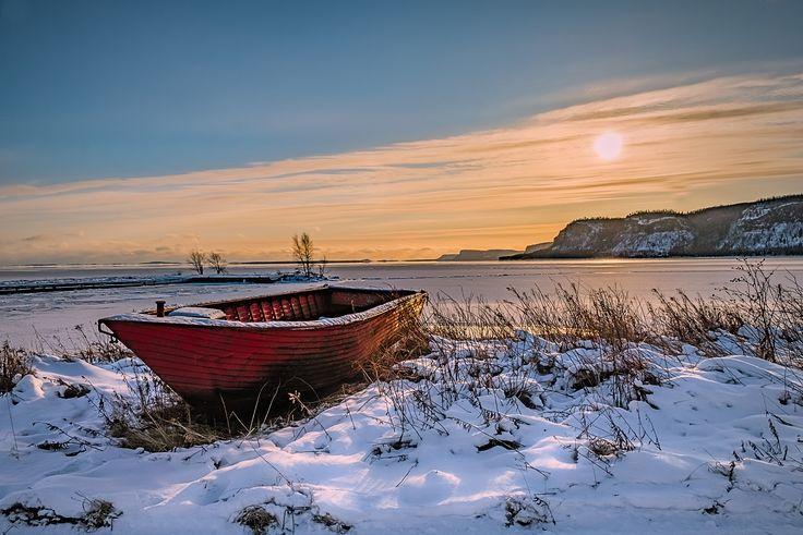 Winter sunset - Fort William First Nation on Lake Superior