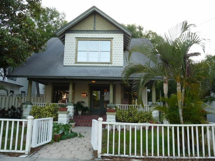 Single Family In Historic Downtown District Of St Petersburg Florida Mediterranean Style HomesBeach Cottage DecorCraftsman BungalowsBeach
