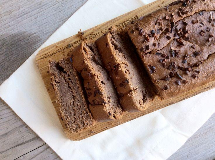 Nope, het is niet te mooi om waar te zijn. Gezonde chocoladecake bestaat! Ik neem vaak een paar plakken als ontbijt of ik neem...