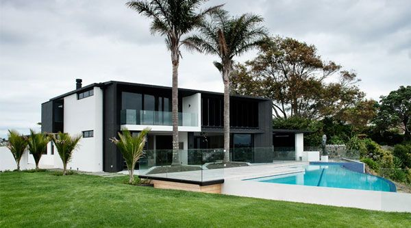 Modern and sophisticated house design in auckland new for Swimming pool design new zealand
