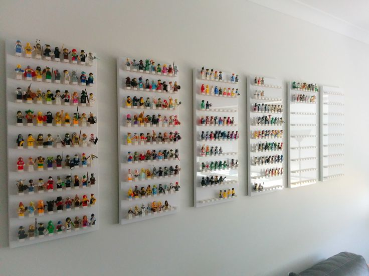 Another prettier pic of my Minifigs enjoying their new home