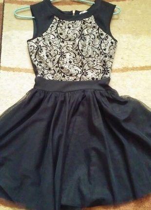 Kup mój przedmiot na #vintedpl http://www.vinted.pl/damska-odziez/krotkie-sukienki/13179064-czarna-tiulowa-sukienka-na-ramiaczka