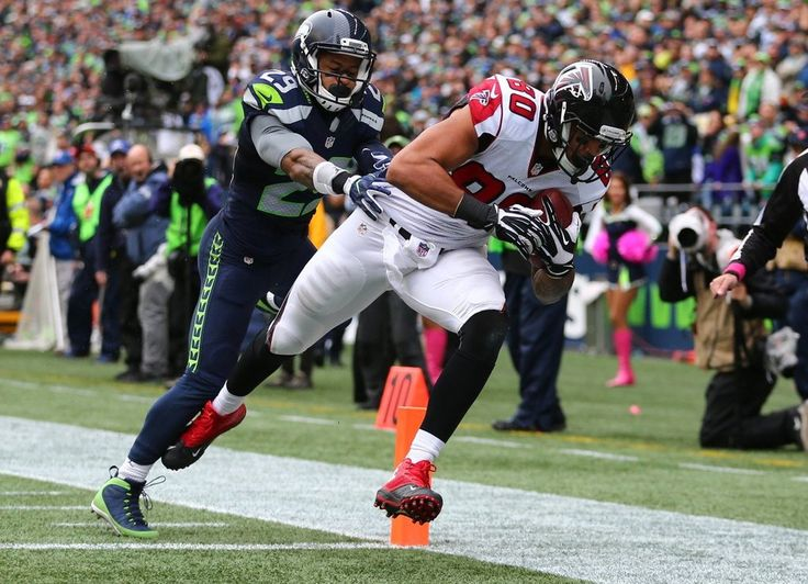 Falcons vs. Seahawks:    October 16, 2016  -  26-24, Seahawks  -      Falcons tight end Levine Toilolo gets a touchdown in the third quarter. (Dean Rutz / The Seattle Times)