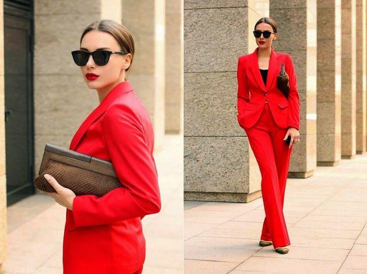 Мода брючный костюм красный