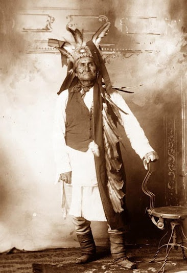"Geronimo - Chiricahua Apache - circa 1900 ""Geronimo is said to have had magical powers. He could see into the future, walk without creating footprints and even hold off the dawn to protect his own. This Apache warrior and his band of 37 followers defied federal authority for more than 25 years."""