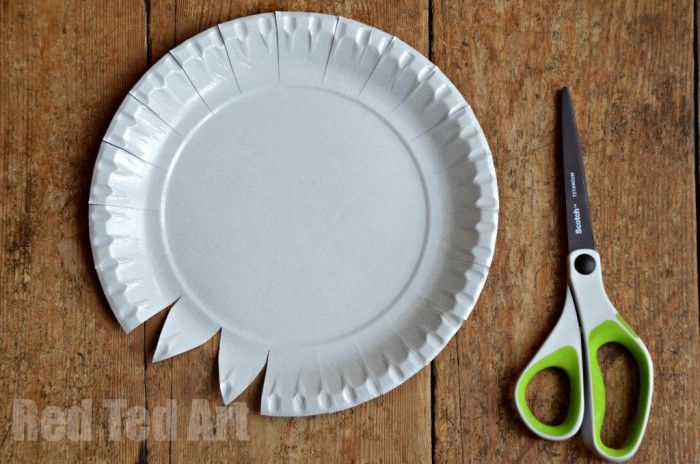 Paper Plate Weaving How To Step 1