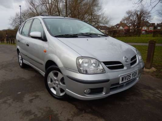 Used 2005 (05 reg) Silver Metallic Nissan Almera Tino SE S/R + A/C for sale on RAC Cars
