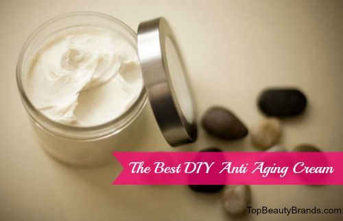 Ditch those wrinkles with this simple DIY Anti Aging Cream recipe...you'll love it!  And your skin will feel soooooo smooth! #diyantiagingcream