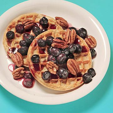 Yep, you can eat waffles and bagels and still lose weight! Begin your day with these healthy, low-calorie breakfasts, and then eat healthy for the rest of the day with the lunch and dinner recipes in this diet for a total of 1,500 calories a day.