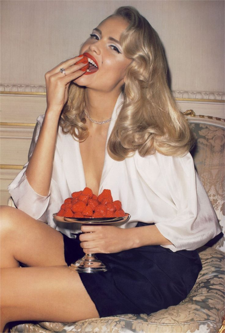 strawberriesTerryrichardson, Strawberries Blondes, Natashapoli, Natasha Poly, Retro Hair, Red Lips, Hair Makeup, Fashion Editorial, Terry Richardson