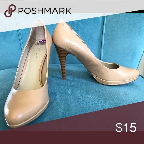 Nine West pumps GUC Nine West taupe pumps. Wood heels. No scuffs. Size 8.5 Nine West Shoes Heels