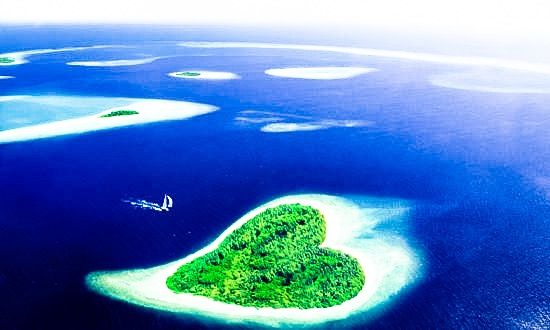 🇲🇻 Maldives. Maldives is a tropical nation in the Indian Ocean composed of more than 1,000 coral islands. It's known for its beaches, blue lagoons and extensive reefs. The capital, Malé, has a busy fish market, restaurants and shops on the main road, Majeedhee Magu, and 17th-century Hukuru Miskiy (also known as Friday Mosque) made of carved white coral.  I mean, is there a more romantic place than this?  😍  Be Jetting & Buy Experiences! www.YouLikeToTravel.com
