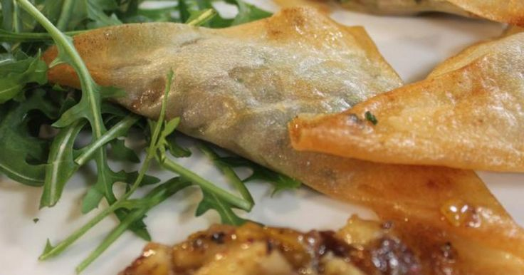 Samosas met lamsgehakt en mango chutney