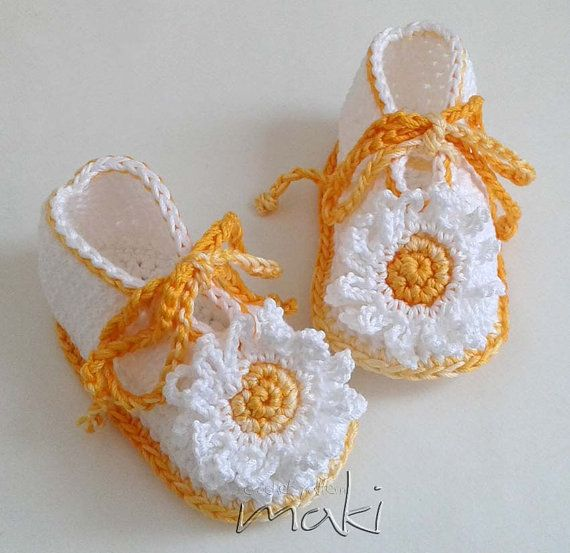 Crochet pattern daisy baby booties  Permission to by MakiCrochet