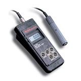 CONDUCTIMETRO PORTÁTIL MULTI-RANGO CON COMPENSACIÓN DE TEMPERATURA IMPERMEABLE HI 9033 / HI 9034 - HANNA Instruments, Fabricante de instrumentos de medida y análisis.