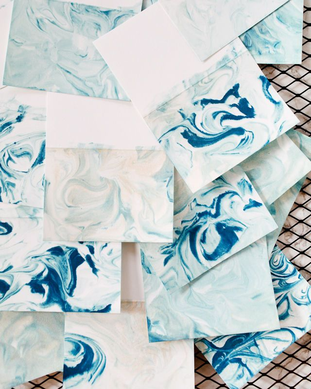 I've been bitten by the marbling bug! I just love the soft swirls and unique patterns in marbled paper. Marbling is a beautiful (and easy!) way to spruce up your holiday décor. These DIY marbled place...