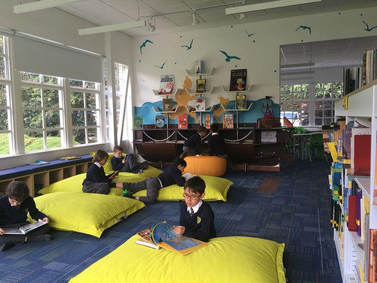 Biblioteca infantil gimnasio moderno Bogota