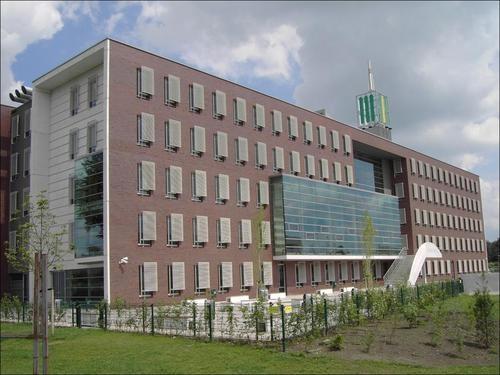 Het Stormink - middelbare school   Deventer  Technische en menselijke begeleiding van project waarbij kinderen hun wijk bekeken op zogenaamde hotspots en notspots.   Gebruikte software: 7scenes  opdrachtgever: Codename Future