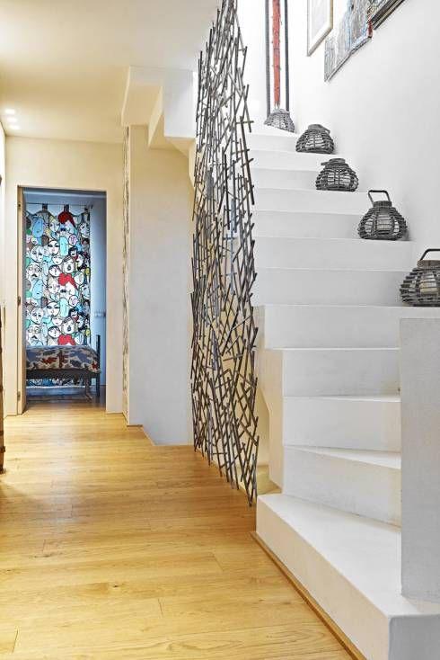 Pasillos, vestíbulos y escaleras de estilo minimalista de Opera s.r.l.