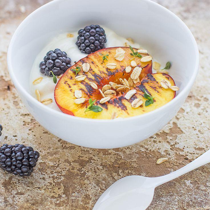 Blog | Ricette | Pesche grigliate con yogurt greco e miele | Sarchio - prodotti Biologici, alimenti Senza Glutine e Integratori Alimentari