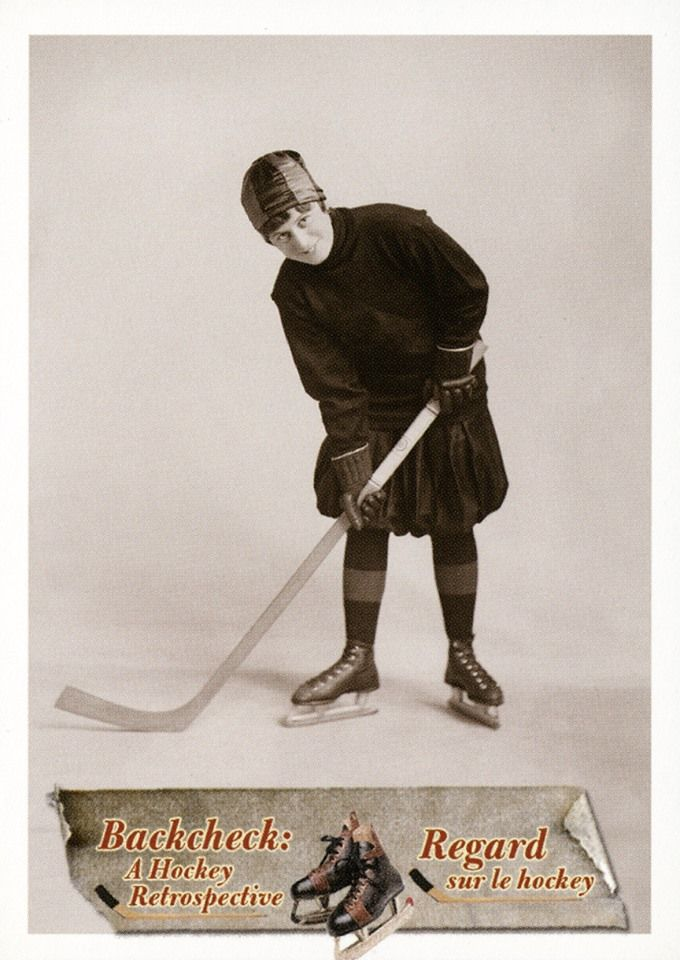 19. Eva Ault, en 1917.  En tant qu'étoile des Alerts d'Ottawa, Eva Ault était l'une des joueuses de hockey le plus connues. #CartesDeHockey