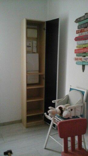 cache compteur lectrique dans une biblioth que billy de ikea cache panneau pinterest. Black Bedroom Furniture Sets. Home Design Ideas