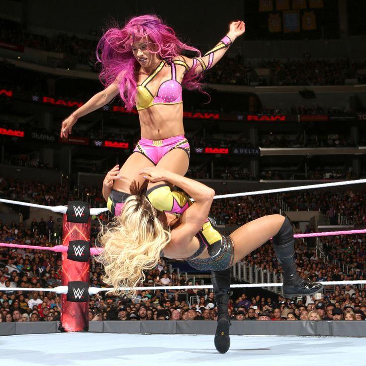 WWE Raw Women's Champion Charlotte vs. Sasha Banks - Raw Women's Championship Match