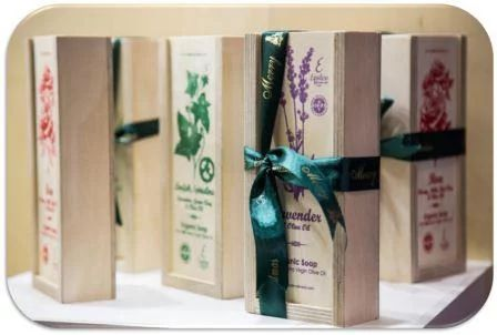Φωτογραφία: SOAPS WITH ORGANIC OLIVE OIL FROM CRETE IN WOODEN CASE http://www.greek-bees.com/cosmetics/soaps/#ty;pagination_contents;/cosmetics/soaps/page-2/ #SOAPS #ORGANICSOAPS #SOAP #ORGANICSOAPS @ORGANIC #SKINCARE #BEAUTY #GIFTS #GIFT #CORPORATEGIFTS #GIFTSET #GIFTBOX #WOODENCASE #GREEKBEES #CRETE