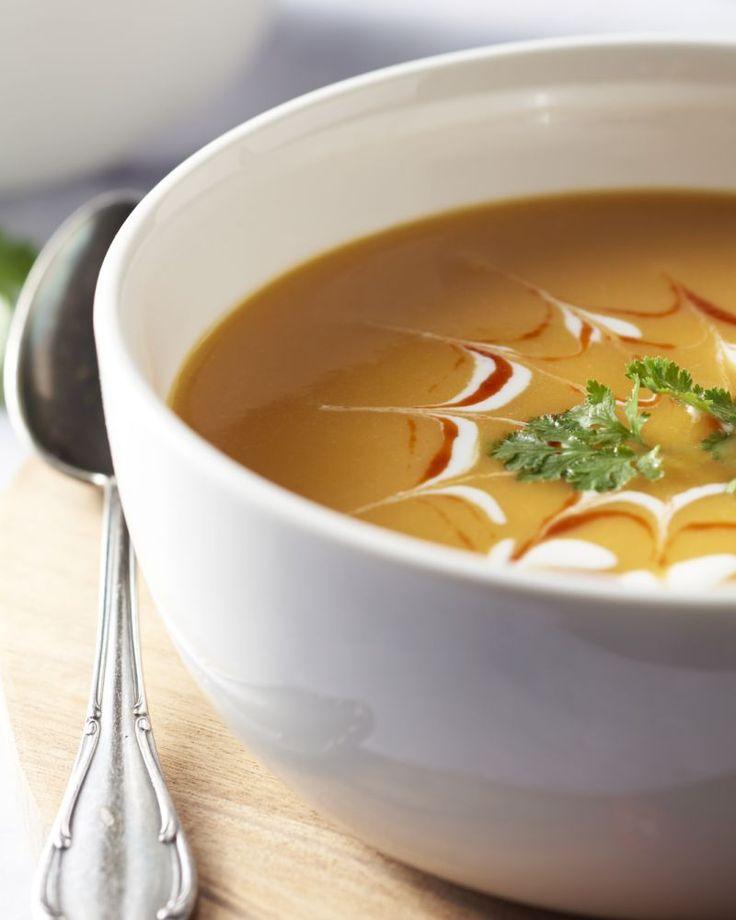 Pompoen is niet enkel bij ons een populair ingrediënt, ook de Thai koken er graag mee. Uiteraard is dit een lekker pittig soepje.
