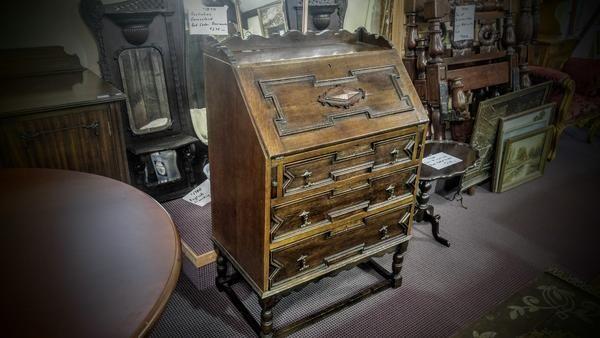 GA1166   -   Victorian oak writing bureau c1880