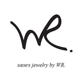 """「Sœurs Jewelry by West River」  Soeurs(ソー)とはフランス語で""""姉妹""""という意味。 日本・カナダ・タイを拠点に、4姉妹でアイディアをだしあいながら ジュエリーやアクセサリーの企画・デザイン・仕入れ・制作活動をしています。  「いつも身近に感じるジュエリー」をコンセプトに、 メッセージが隠れているネックレスや誕生石を使ったリングなどギフト向けラインナップをはじめ、 天然石ジュエリー、ファッションアクセサリーなど幅広いジャンルの商品を扱っています。  K18ゴールド、K10ゴールド、シルバー925、ダイヤモンド、貴石、半貴石等の素材を中心に、 お選び頂いたイニシャルと天然石を組み合わせて作るセミ・カスタムメイドや、 全てオリジナルでご依頼頂けるオーダーメイドも承っております。 どうぞ、お気軽にご相談ください。  私達の作品が、着ける人々の特別な一つとなれれば嬉しいです。   株式会社 WR 千葉市若葉区愛生町26番地3 電話: 043 307 8733 メール: info@soeursjewelry.com 担当:西川 康(しずか)"""