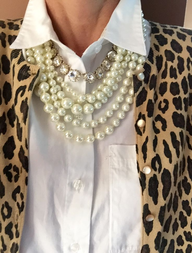 Fashion Over 40:  Always love me some pearls.......classic. Women, Men and Kids Outfit Ideas on our website at 7ootd.com #ootd #7ootd