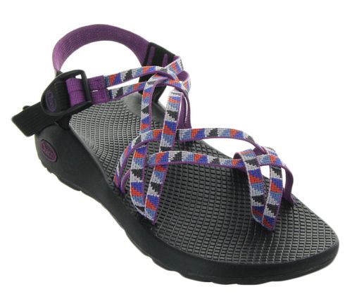 Brought to us by Chaco, this Classic in Camper Purple features adjustable  straps that custom-fits to your foot, a toe-loop for additional forefoot  control, ...