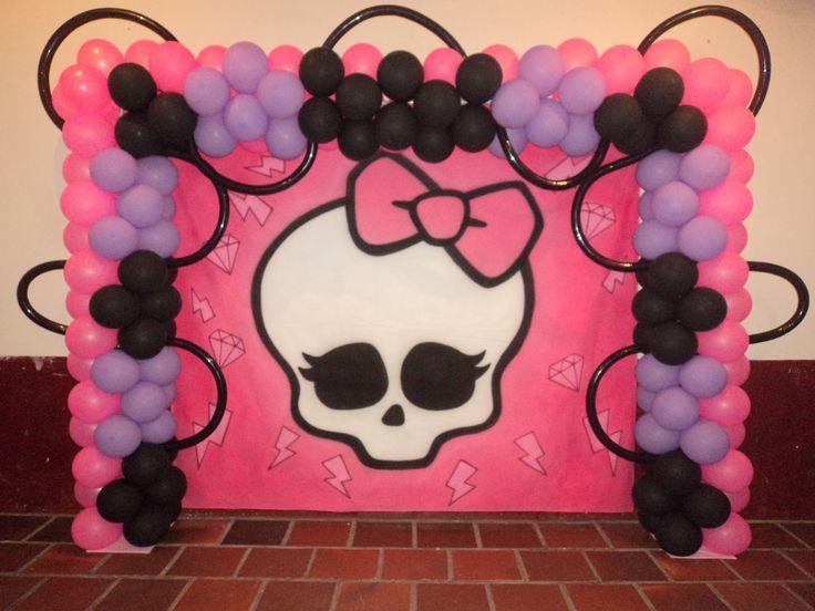 Brinque e arte decoração com balões: DECORAÇÃO TEMA MONSTER HIGH