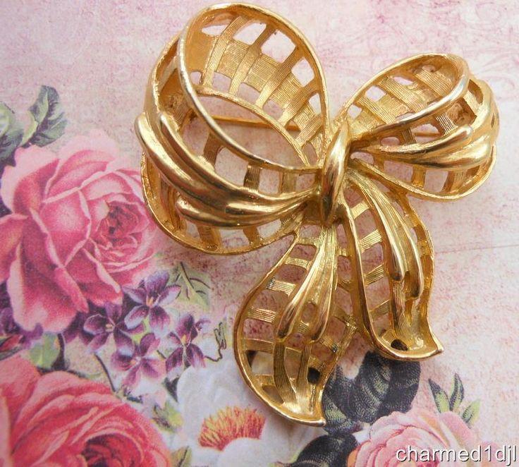 "Vtg Coro Gold Ribbon Bow Brooch Pin Textured Gold Tone 3 D Huge 2 25"" | eBay SOLD"