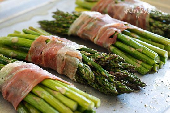 Roasted Prosciutto Wrapped Asparagus Bundles
